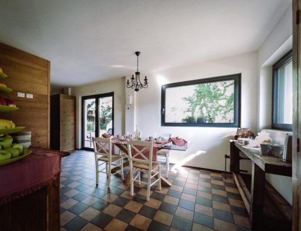 the living room at la mucca pelosa b&b